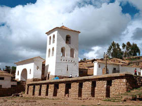 Medium_chinchero_iglesia