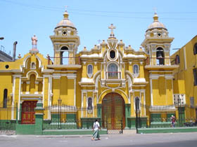 Medium_cocharcas_iglesia