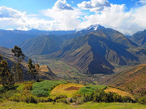 Enjoy the Sacred Valley and Lunch Like an Inca