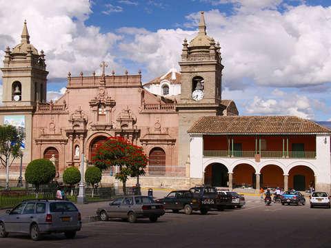 3d/2n Ayacucho Fiesta y Cultura