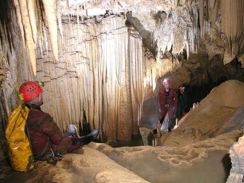 Tour a las Cuevas de Palestina - Espeología