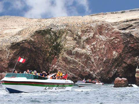 Full Day Paracas - Ica: Ballestas +Tubulares + Sandboarding