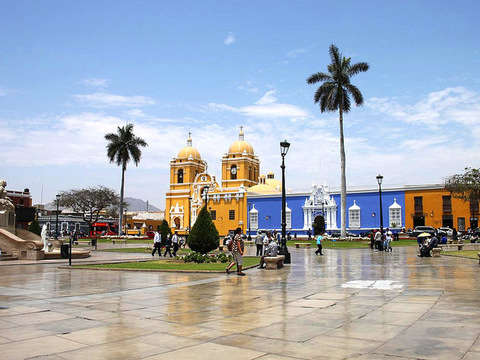 Full Day: Trujillo City Tour Caminado + Tour en Mirabus