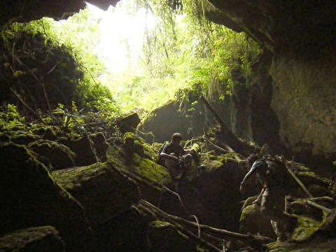 Rappel: Fantástica Cueva del Cya Cya en Oxapampa