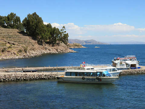 Tour Isla Uros - Taquile en Lancha Veloz