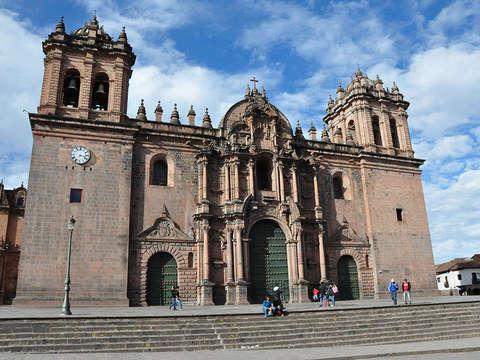 9d/8n en Cusco, Machupicchu, Salineras y Lago Titicaca.