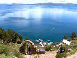 Foto de Tour a las Islas Flotantes de los Uros y Taquile (Full Day)