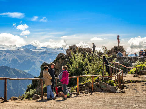 2d / 1n Visit the amazing Colca Canyon