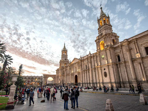 City Tour Peatonal Arequipeño + Almuerzo o Cena