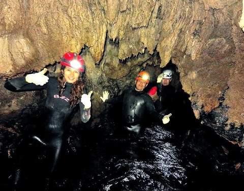 Exploración en la Gruta Huagapo