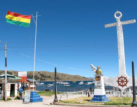 Viaja en Catamarán: Puno - Copacabana - Isla del Sol - Puno