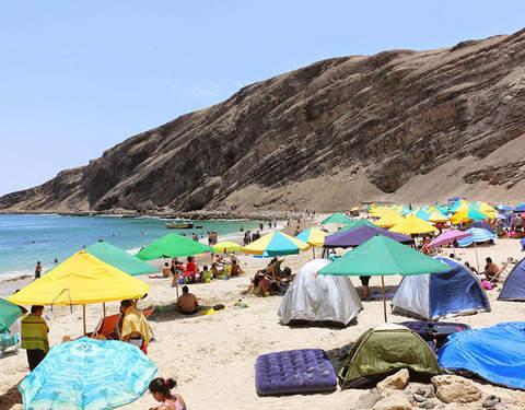 2d/1n Campamento en la Playa la Mina