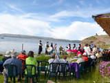 Luquina chico en Lago Titicaca Encantador