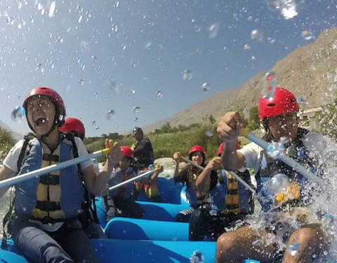 Canoeing Lunahuaná