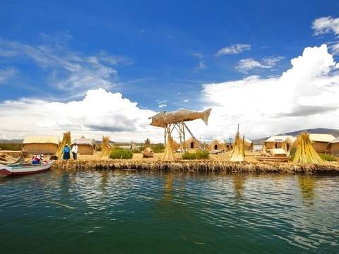Uros Floating Islands + Hotel