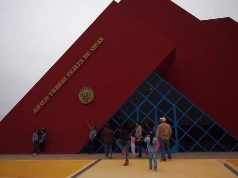 Playas y Museos Lambayecanos