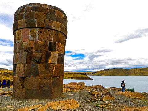 Full Day Uros + Taquile + Sillustani