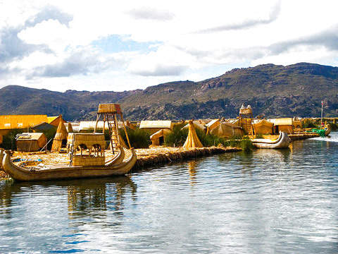Uros + Llachon - Private Tour
