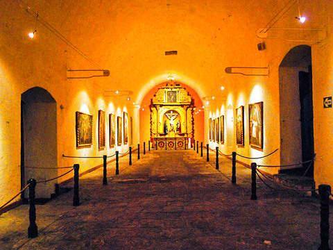 Santa Catalina Monastery Tour + Arequipa City and Viewpoints