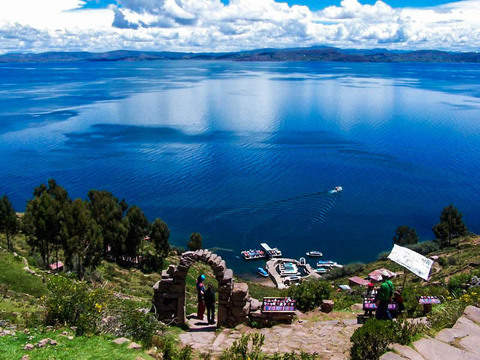 Islands of Uros, Amantani and Taquile in One Day