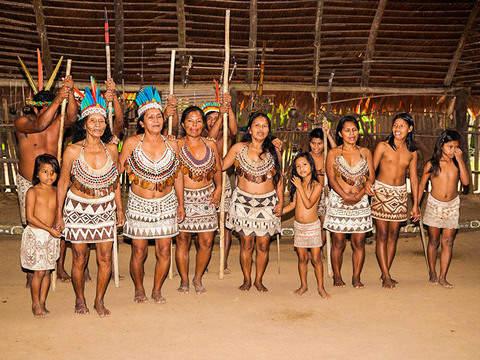 Iquitos Ribereño: Community Bora, Pilpintuwasi and F. Pedrito
