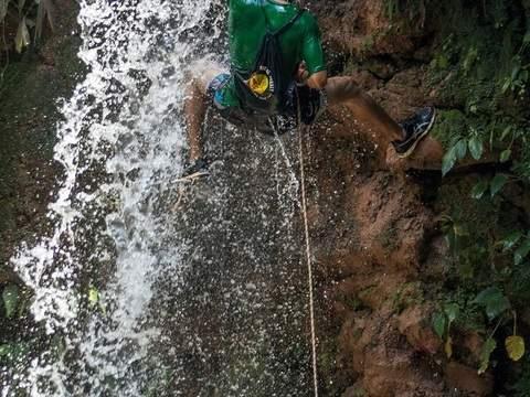 Rapel en la Catarata de Talliquihui (Half Day)