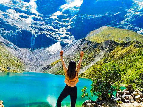 Mysticism in the Cordillera (Laguna Humantay)