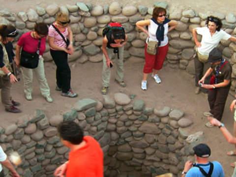 3d/2n Acueducto, Chauchilla y Líneas en Nazca