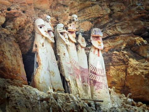 Full Day a los Sarcófagos de Karajía + Caverna de Quiocta