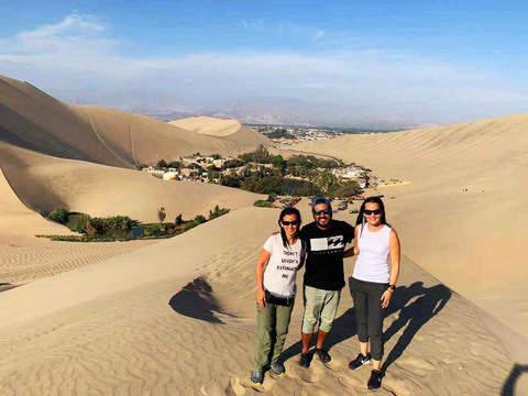 Desde Lima: Ballestas, Sobrevuelo Líneas Nazca & Huacachina