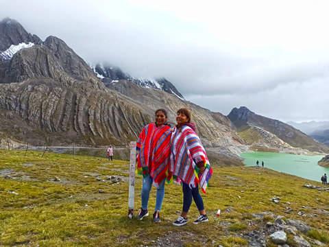 Full Day Canta, Cordillera la Viuda y Laguna 7 Colores
